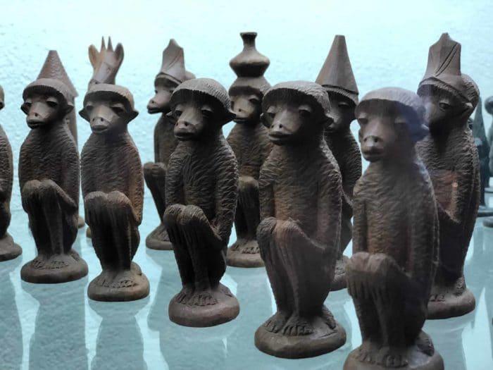 Schachmuseum Ströbeck, Makonde-Schachfiguren aus Tansania