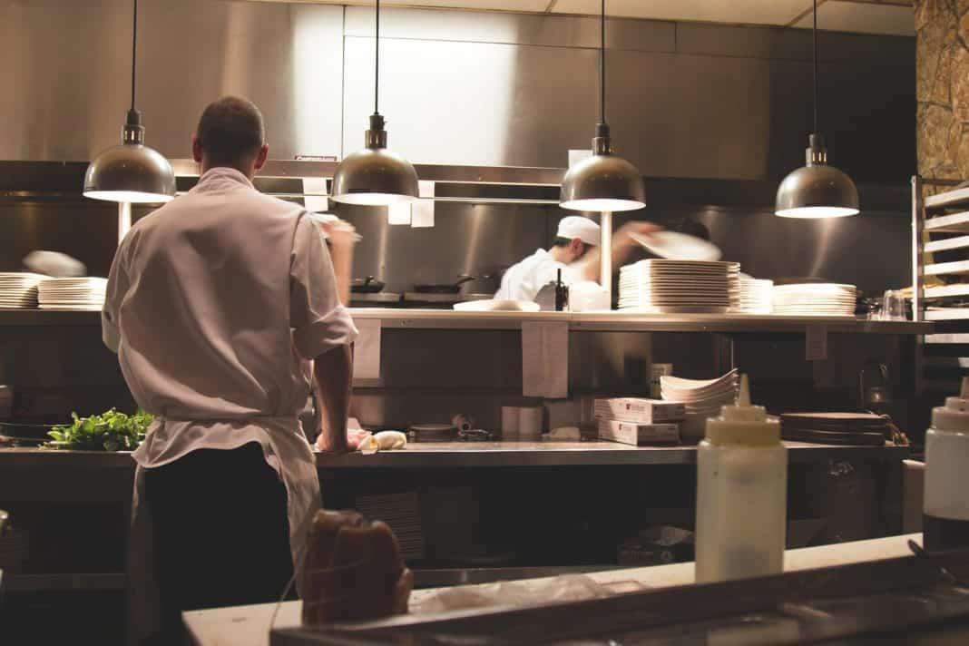 Steigende Umsätze in Hotellerie und Gastronomie bei höherer Belastung