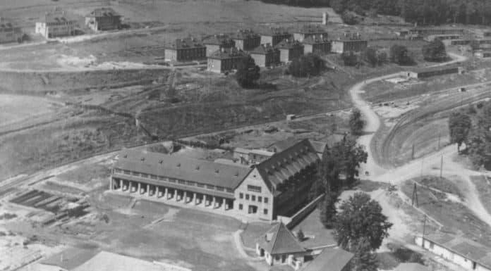Blick auf Verwaltungsgebäude 1943