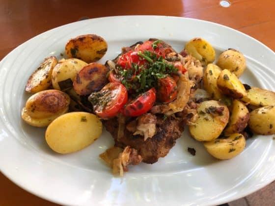 Treber Steak mit Rosmarin-Kartoffeln