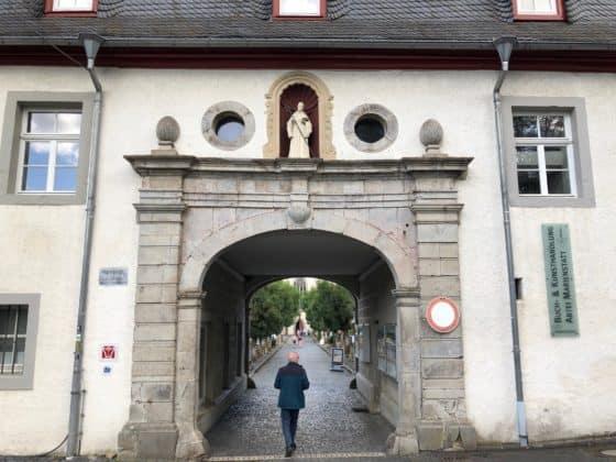 Torhaus und Eingang zum Abteigelände