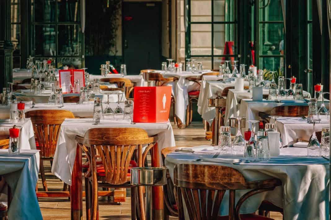 Zehntes Wachstumsjahr in Sicht: Gastgewerbe weiterhin mit Umsatzplus