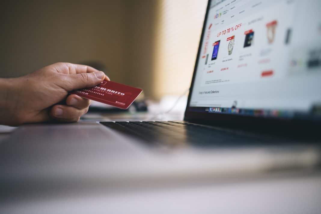 Zahlungsdiensterichtlinie 2: Aufschub bei Internetbuchungen