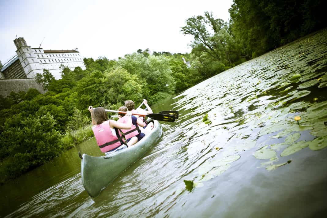 Auf die Paddel, fertig, los: Wasserspaß mit Bayerischen Jugendherbergen