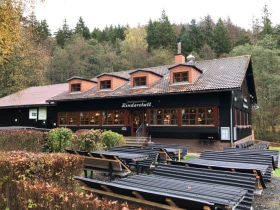Frontansicht Waldgaststätte Rinderstall