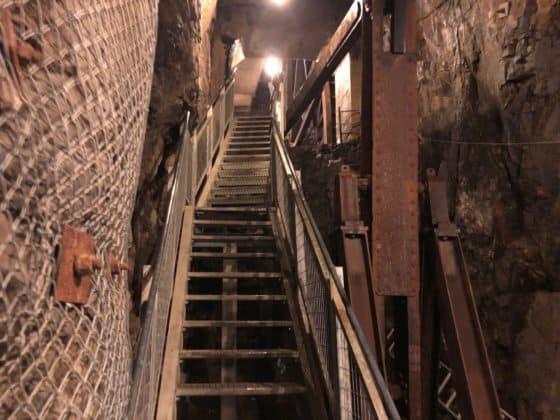 Abfahrt in die Grube
