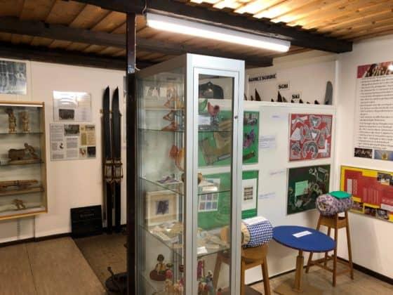 Blick in obere Etage der Ausstellung