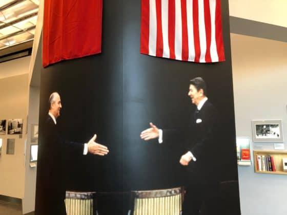 Der Handschlag zwischn Bush und Gorbatschow