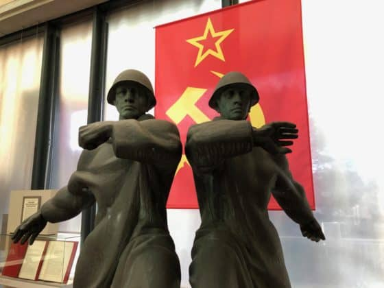 Propaganda-Statue DDR