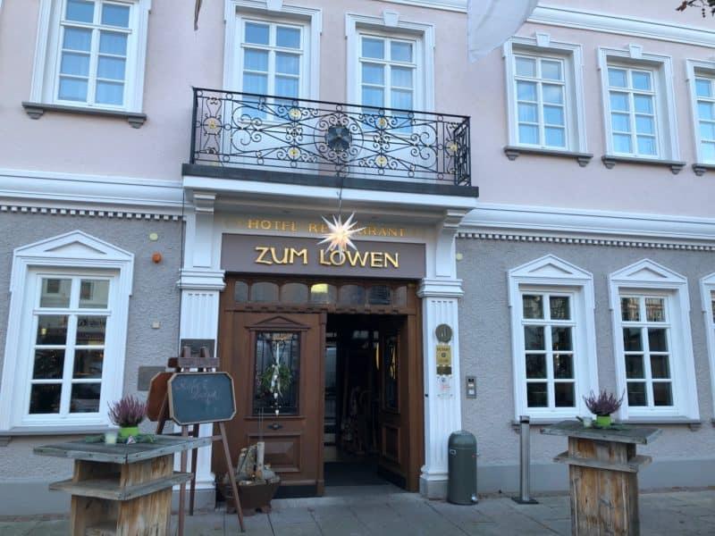Eingang Hotel zum Löwen