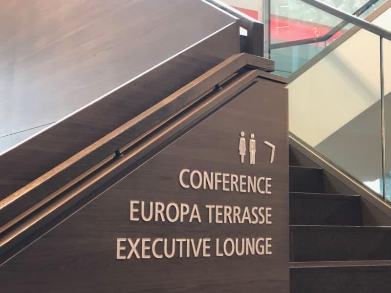 Aufgang Europa Terrasse und Lounge