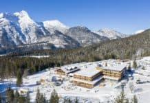 Familien-Urlaubsvergnügen im Vier-Sterne-Superior Zugspitz Resort