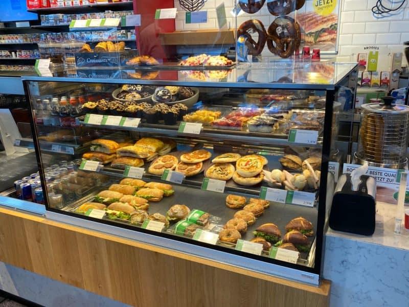 Große Kuchenauswahl: lecker und frisch