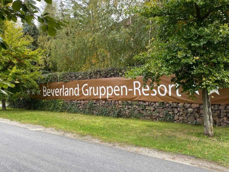 Schild Beverland Resort