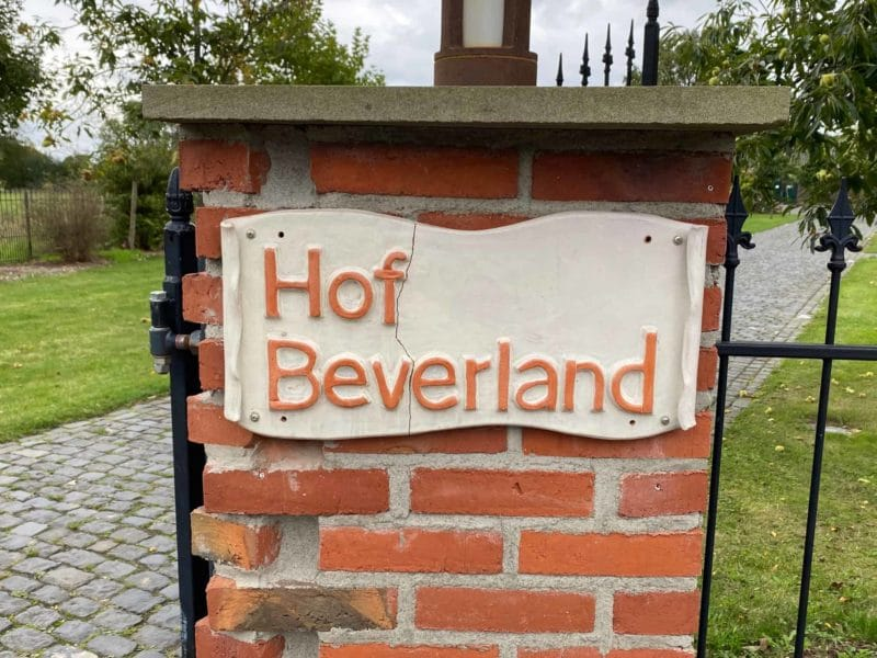 Eingang Hof Beverland
