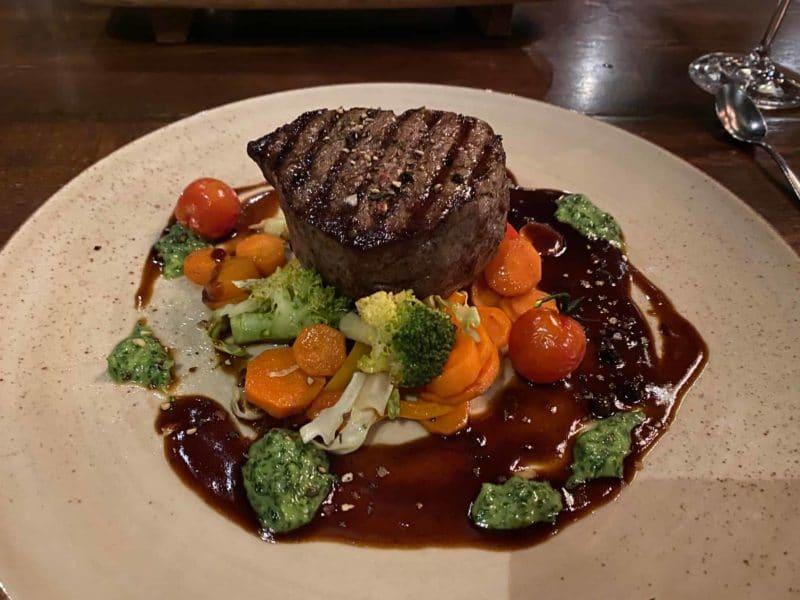 Die Spezialität des Kaseinwerks: Steak vom Agnus-Rind