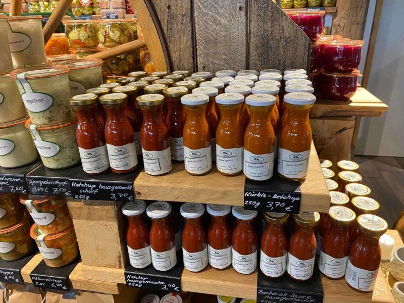 Ketchup und Soßen aus hauseigener Manufaktur