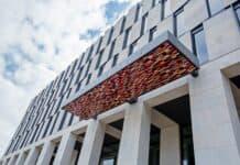 Flughafen Berlin Brandenburg: Eröffnung des Steigenberger Airport Hotels