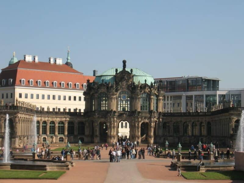 Zwinger in der Sächsischen Landeshauptstadt