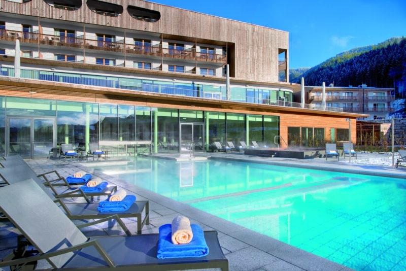 Außenpool des Hotels im Salzburger Land