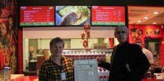 Witty's organic food mit Bioland Bratwurst am Berliner Flughafen ist Bioland Gold Partner