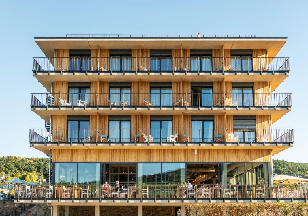 Außenansicht Hotel Papa Rhein
