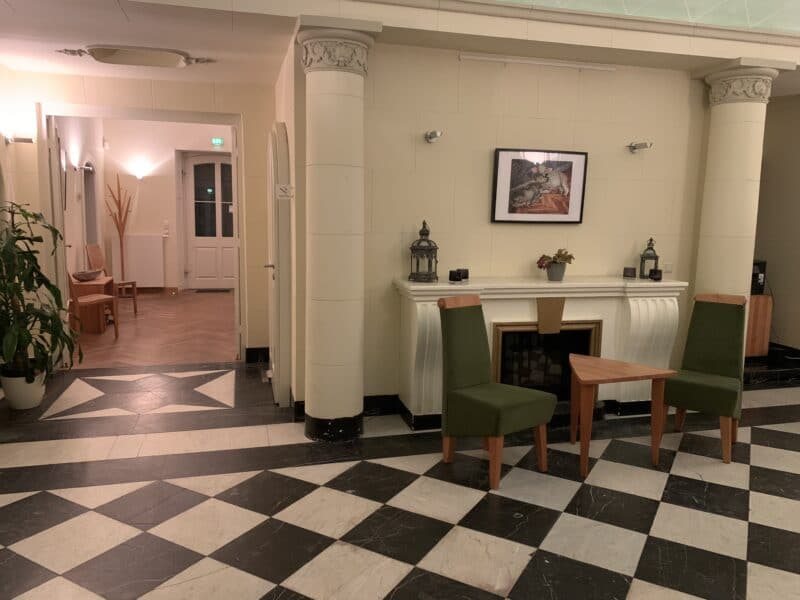 lobby (c) ahead burghotel