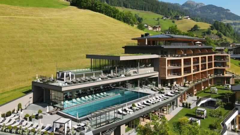 Luxuriöse Yoga-Auszeit im Edelweiss Salzburg Mountain Resort